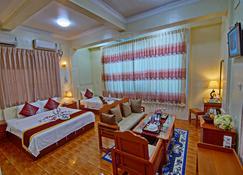 79 Living Hotel - Mandalay - Habitación