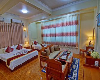 79 Living Hotel - Mandalaj - Bedroom