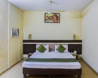 Hotel Shagun - Bhopal - Bedroom
