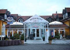 Hotel & Restaurant Kuhfelder Hof - Kuhfelde - Vista del exterior