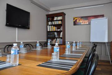 Detective Hotel - Étretat - Meeting room