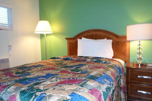 Hitching Post Studios Inn - Santa Cruz - Bedroom