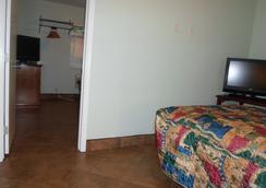 Hitching Post Studios Inn - Santa Cruz - Phòng ngủ
