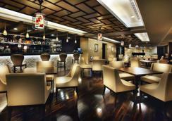 โรงแรมซันมูนเลค - ยูชิ - บาร์