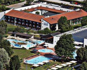 Hotel Chrysantihof - Bad Birnbach - Building
