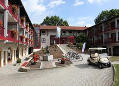 Hotel Sternsteinhof - Bad Birnbach - Building
