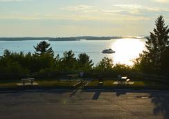 Terrace Suites - North Bay - Cảnh ngoài trời