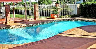 Cascade Motel In Townsville - Townsville - Pool