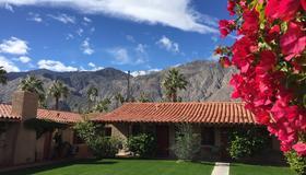 Warm Sands Villa - Palm Springs - Edificio