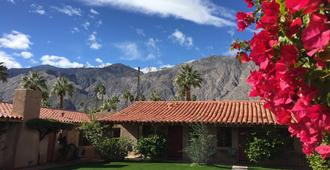 Warm Sands Villa - Palm Springs - Rakennus