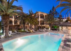 Villa Pipini Luxury Studios - Thasos - Building