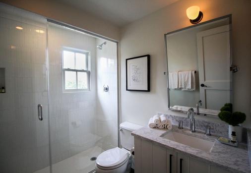 American Beech Hotel - Greenport - Bathroom