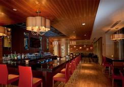 Six South St Hotel - Hanover - Lobby