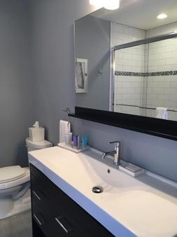 Marker 8 Hotel & Marina - St. Augustine - Phòng tắm