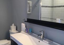 馬克爾 8 號濱海飯店 - 聖奧古斯丁 - 浴室