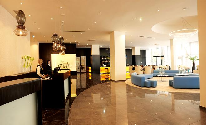 Mind Hotel Slovenija - LifeClass Hotels & Spa - Portorož - Front desk
