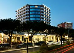 Mind Hotel Slovenija - LifeClass Hotels & Spa - Portorož - Gebouw