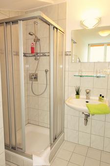 Hotel Seeblick - Klausdorf (Mecklenburg-Vorpommern) - Bathroom