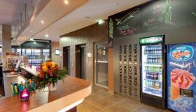Meininger Hotel Frankfurt Main / Airport - Frankfurt am Main - Lobby