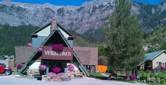 Twin Peaks Lodge & Hot Springs - Ouray