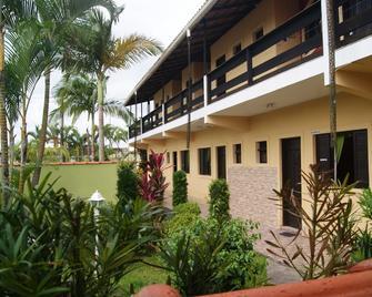 Hotel Pousada Vento Leste - Cananeia - Building