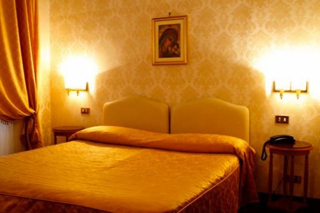 Hotel Torino - Rome - Bedroom