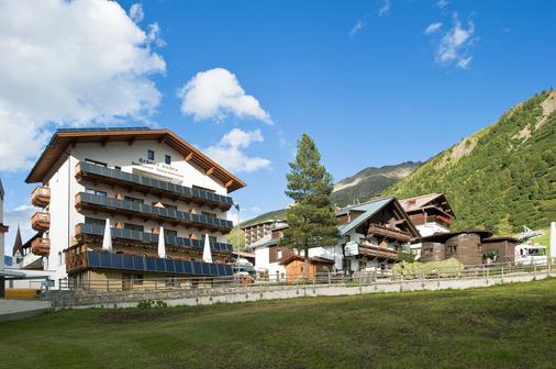 Hotel Mathiesn - Obergurgl - Building
