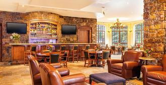 Tivoli Lodge - Vail - Lobby