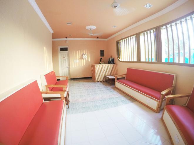 Wavoe Inn - Himmafushi - Front desk
