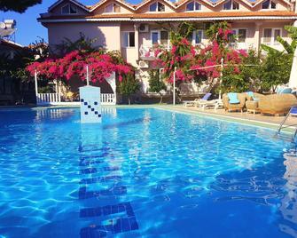 Dalyan Hotel Caria Royal - Dalyan (Muğla) - Havuz