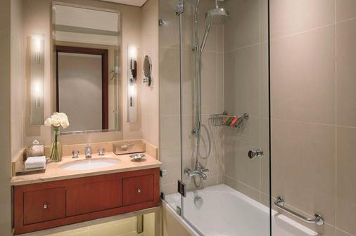 Mövenpick Hotel West Bay Doha - Doha - Bathroom