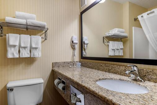 Comfort Inn & Suites Bothell - Seattle North - Bothell - Bathroom