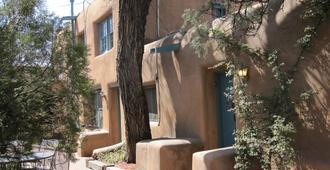 Pueblo Bonito Bed and Breakfast Inn - Santa Fe - Gebäude