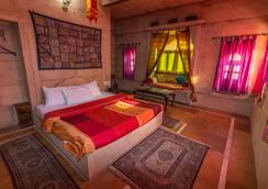 Hotel Oasis Haveli - Jaisalmer - Bedroom