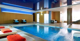 Macaris Suites & Spa - ריתימנו - בריכה