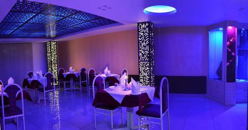 Hotel Mountain Top - Manāli - Phòng ăn
