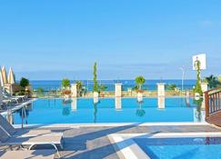 Asia Beach Resort & Spa Hotel - Alanya - Beach