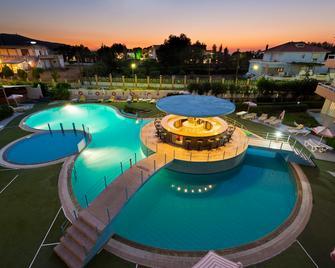 Bayside Hotel Katsaras - Kremasti - Bazén