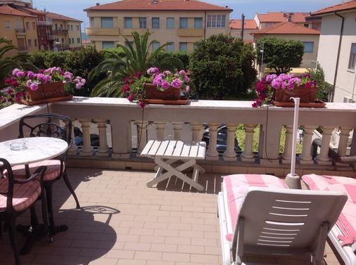Hotel Europa - Camaiore - Balcony