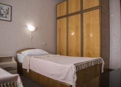 فندق كيشيناو - تشيسيناو - غرفة نوم