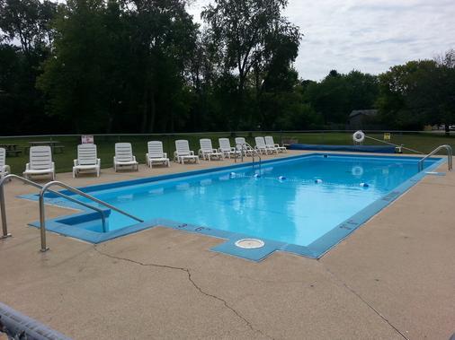 Geneva Wells Motel - Lake Geneva - Pool
