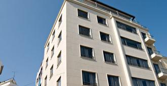 A for Athens - Atenas - Edificio