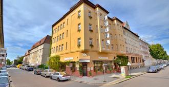 Ihr Hotel Alt Connewitz in Leipzig - לייפציג - בניין