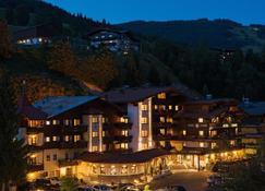 Hotel Die Sonne - Saalbach - Rakennus