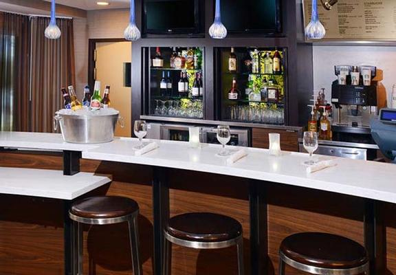 Courtyard by Marriott Dallas Richardson at Campbell - Richardson - Bar