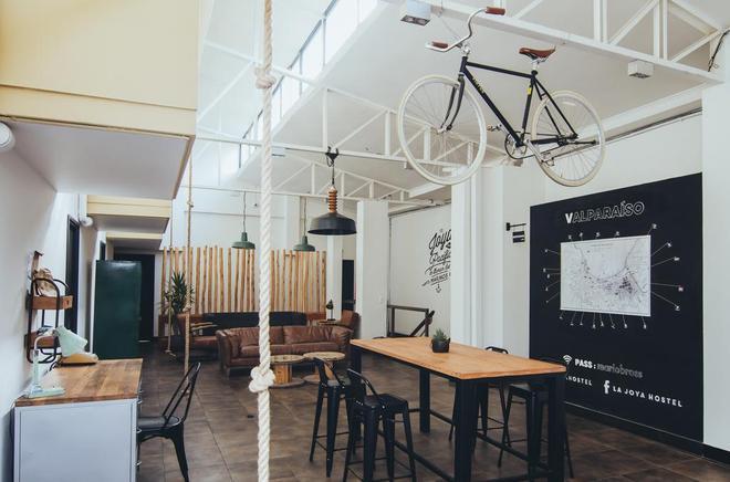 La Joya Hostel - Valparaíso - Ruang makan