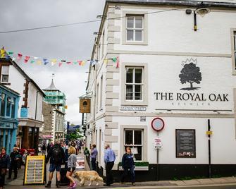 Royal Oak At Keswick - Keswick - Building
