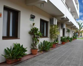 Ref Apart Hotel - Salta - Building
