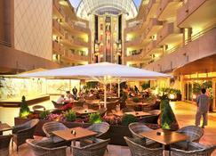 Hotel Florida Park - Santa Susanna - Patio