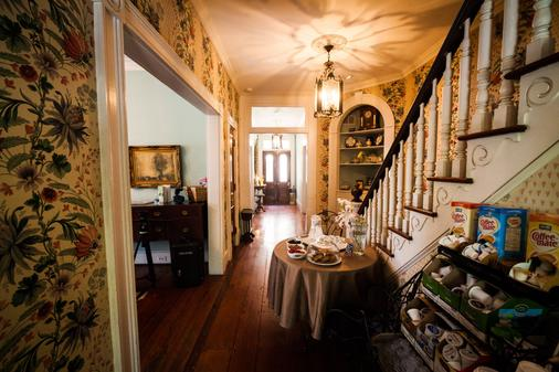 Barksdale House Inn - Charleston - Aula
